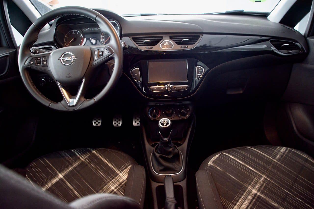 Opel Corsa 1.4 Black Edition